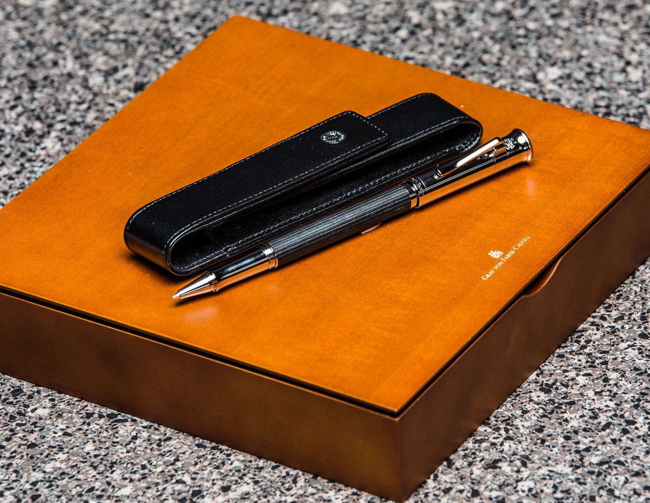 Gvfc Ebony Rollerball/Black Leather Case Set